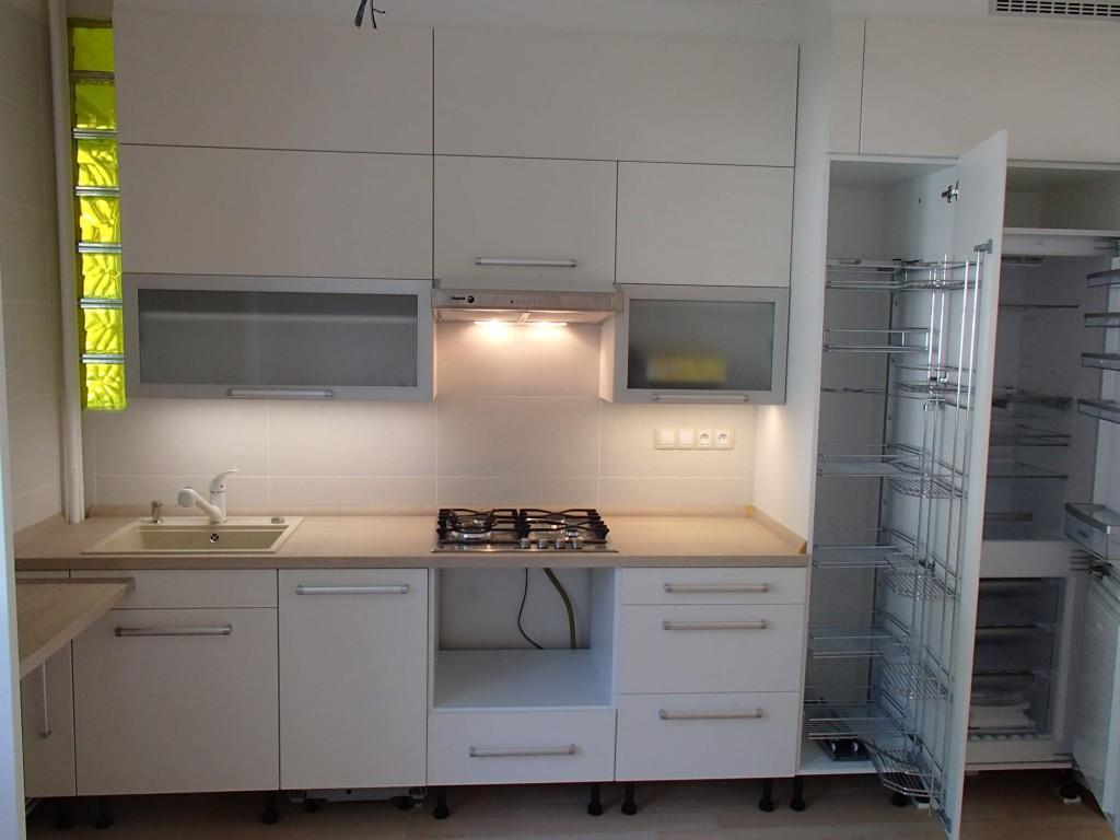 Hodinový manžel z Ostravy zvládne i připojení vestavných elektrospotřebičů v kuchyni